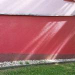 Obrázek: Odstranění graffiti bez poškození barvy a povrchu fasády.